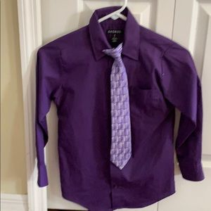 Dark purple dress shirt with matching tie. Size 8